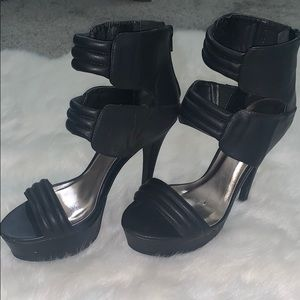 Black platform stiletto